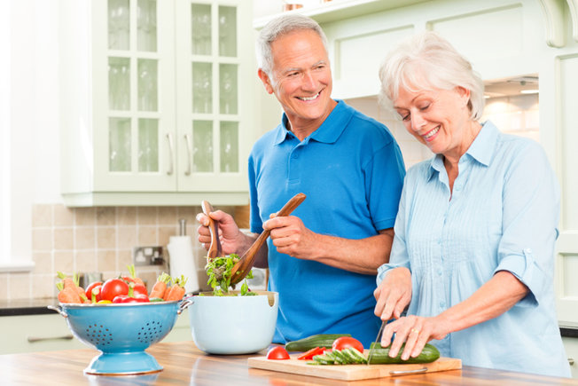 healthy-gut-older-couple-seniors